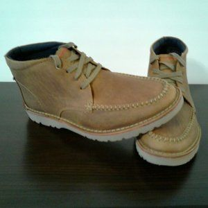 CLARKS MEN BOOTS (NEW SIZE 9.5)